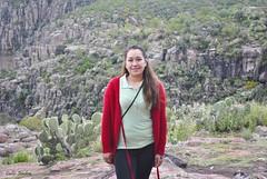 Detrs de los cerros. (spawn5555) Tags: woman mujer girl wife aguascalientes paisaje nikon d3000 naturaleza