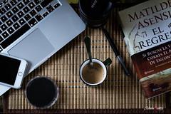 Un da para m solo (adrivallekas) Tags: book read mac mobile coffee espresso objetive still catn nd libro movil ordenador caf objetivo bodegn relax alone soledad camera reflex canoneos6d canon me matildeasensi elregresodelcaton elultimocatn