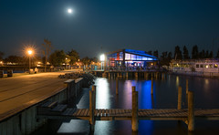 Sunset-Bar; Podersdorf (alexanderferdinand) Tags: podersdorf nacht landschaft architektur austria sterreich burgenland neusiedlersee night bar canoneos1dxmarkii ef2470mmf28liiusm tripod gitzo