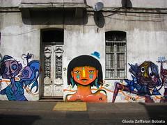 los colores de yungay (Gisela Zaffalon Bobato) Tags: walls graffiti colours yungay santiago chile building