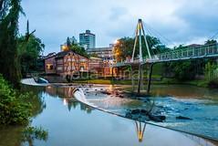 timb-0055 (iedafunari) Tags: timb santa catarina brasil tapyoka represa rio benedito passarela anoitecer ponte enxaimel