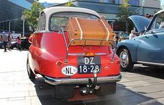 1959 - BMW Isetta 300 - DZ-18-28 -4 (Oldtimers en Fotografie) Tags: 1959bmwisetta300 bmwisetta300 bmwisetta bmw isetta dz1828 midlandclassicshow2016 midlandclassic2016 midlandclassicshow midlandclassic almere oldcars bubblecars classiccars germancars oldtimers oldtimer fransverschuren oldtimersfotografie fotograaffransverschuren