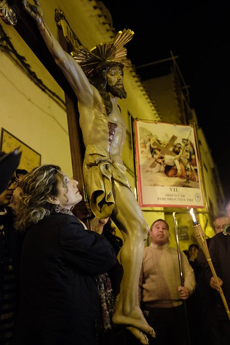 """(2015-03-27) - VI Vía Crucis nocturno - Vicent Olmos i Navarro (05) • <a style=""""font-size:0.8em;"""" href=""""http://www.flickr.com/photos/139250327@N06/30119966422/"""" target=""""_blank"""">View on Flickr</a>"""