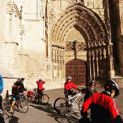 Catedral de #Palencia #canaldecastilla  #palencia #vacacionesenbici