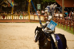 Joust to the Death (Pahz) Tags: thejousters joust jouster jousting heavyjousting fullplatejoust horse armor helm plumage sword lance shield encranche squire knight bristolrenaissancefaire2016 bristolrenaissancefaire renfaire renaissancefaire renfest brf pattysmithbrf photography nikond5100 renaissancefairephotographer pahzphotography pahz