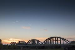 Edithbridge (Ravenstein - Nifterik) (alexknip) Tags: railway railwaybridge nederlandsespoorwegen dutchnationalrailway ravenstein nifterik maas bluesky blauwelucht verstijfdestaafboogbrug langersebrug
