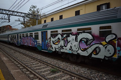Graffiti su Carrozza MDVC (simone.dibiase) Tags: train station stations rail rails railway railways italy italia france francia loco locos locomotive locomotiva ferrovie dello stato italiane fs nikon d3300 dslr camera nikond3300