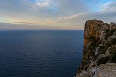 Mal Pas (SantiMB.Photos) Tags: sea españa cliff clouds geotagged mar mediterranean views nubes vistas viewpoint esp mirador acantilado mediterráneo baleares formentor malpas pollença abigfave esmalpas sal18250 elcolomer geo:lat=3992926645 geo:lon=311037004 sacreueta