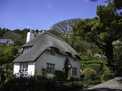 "Isle of Wight - Thatched Cottage • <a style=""font-size:0.8em;"" href=""http://www.flickr.com/photos/44019124@N04/8704295057/"" target=""_blank"">View on Flickr</a>"