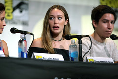 Alycia Debnam-Carey & Lorenzo James Henrie (Gage Skidmore) Tags: dave erickson alpert greg nicotero robert kirkman gale anne hurd colman domingo kim dickens cliff curtis frank dillane mercedes mason alycia debnam carey lorenzo james henrie danay garcia fear walking dead amc san diego comic con international california convention center