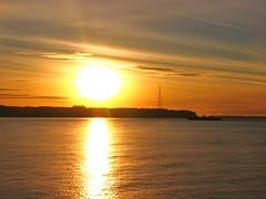 Atardecer pacifico,canal de Chacao,Chiloe (Gabriel mdp) Tags: paisaje landscape atardecer oceano pacifico canal chacao camino chiloe sol contrastes reflejos nature transbordador sur decima region chile