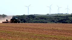 Work in fields to Plouguin (patrick_milan) Tags: ladscape trator wind turbine olienne champs tracteur terre travail charrue john deer