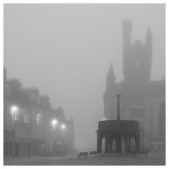 259/366 Foggy Morning (Sarah*Rose) Tags: aberdeen fog haar mist castlegate meerkat
