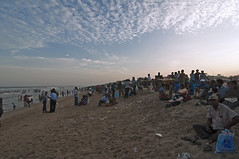 Elliot Beach (me suprakash) Tags: chennai india tamilnadu southindia people nikond90 beach elliotbeach token1116mm travel travelphotography tokina1116mm beachphotography activities peoplephotography
