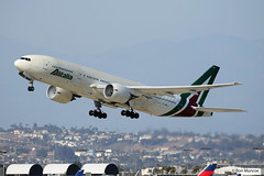 Alitalia, Boeing 777-200ER - New Livery (Ron Monroe) Tags: alitalia boeing 777 lax klax airliners airlines eidbl