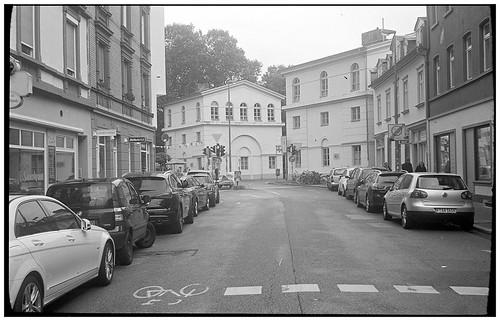 Wallstraße mit Affentorhäusern