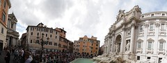 Crowded (noname_clark) Tags: italy rome vacation trip honeymoon trevifountain people crowd busy