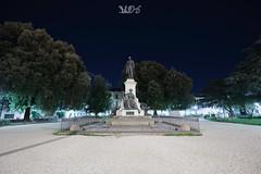 Monumento a Mazzini, Piazzale Mazzini, Padova (Davide Anselmi) Tags: mazzini giardino monumento notte padova piazzale piazzalemazzini statua davideanselmi 2016