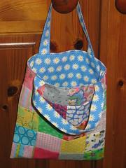 Little Daisy pattern tote (Koshka2) Tags: shoebox2016 tote patchworkbag