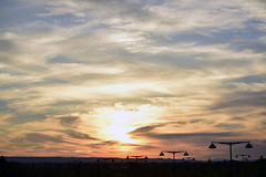 Anochecer (laura.garcia.gustems) Tags: sunset anochecer cielo colores farolas sol sun sky