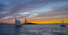 New York (regis.muno) Tags: newyork manhattan brooklyn usa bridge brooklynbridge pont nikond7000 manhattanbridge de soleilbateauboathudson rivereast rivercrosierecruisesunset cruise sunset