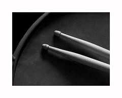 14-drum (Roberto Gramignoli) Tags: musica music batteria bacchette drum drumsticks blackandwite bw jazz strumentimusicali musicinstruments