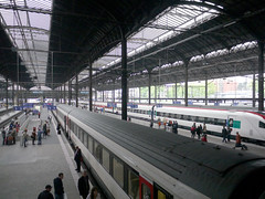 Basel Bahnhof.  Basel Train Station. (Maga Dias) Tags: train switzerland zug espera despedida maga partida flickrhearts