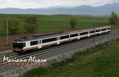 470.008 3.5.2013 (Mariano Alvaro) Tags: train tren media intercity distancia renfe 470 grisalea