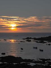 DSCF0051 (Micano2008) Tags: galicia oya vacaciones pontevedra atardecer sol nubes barcas oceanoatlantico