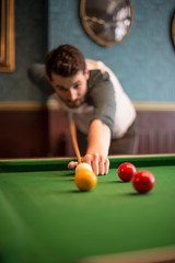 Playing pool - London (AliceWilliamsPhotography) Tags: pool game boys london england city sunday canon canon6d 6d photo photography photoshop lightroom