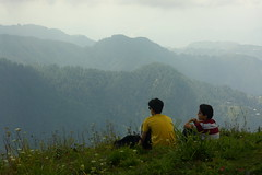 Miranjani: Relaxing (Shahid Durrani) Tags: miranjani nathiagali hike