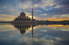 Putra mosque (gilbertchuachian_siong) Tags: masjid mosque muslim park lake sunrise reflection malaysia putrajaya sonygallery samyang a6000 sony