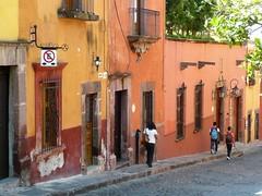 a passar (Ponto e virgula) Tags: mexico sanmigueldeallende