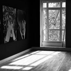Norwegian Wood - The Beatles (cristina morello) Tags: noir shadow window thebeatles noiretblanc blackandwhite biancoenero exposition expo parigi paris