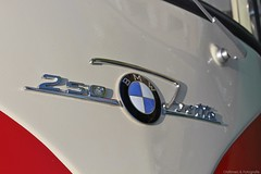 1959 - BMW Isetta 300 - DZ-18-28 -6 (Oldtimers en Fotografie) Tags: 1959bmwisetta300 bmwisetta300 bmwisetta bmw isetta dz1828 midlandclassicshow2016 midlandclassic2016 midlandclassicshow midlandclassic almere oldcars bubblecars classiccars germancars oldtimers oldtimer fransverschuren oldtimersfotografie fotograaffransverschuren cardetail
