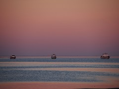 winter pink at sunset (puesyomismo) Tags: rosa otoo mar murcia barco cielo atardecer agua pink autumn sea boat sky sunset water rose automne mer bateau ciel coucherdesoleil deleau herbst meer boot himmel sonnenuntergang wasser
