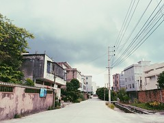 Cloudy day in Chaozhou. (Ashyblue07) Tags: street cloud residentialbuilding cloudy cloudsky chaozhou china countryside iphone5s iphonephotography