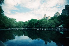 Central Park (Jim Davies) Tags: photography analogue film veebotique 35mm vivitar ultrawideandslim uws plastic toycamera kodak ektachrome 160t 160asa slidefilm crossprocessed xpro e6 c41 expired hardexpired newyorkcity nyc newyork manhattan bigapple centralpark