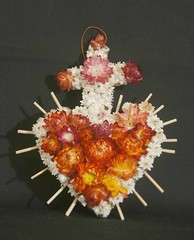 Heart and Cross Oaxaca (Teyacapan) Tags: flowers santacruz flores mexico folkart heart oaxaca dried corazon