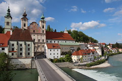 Steyr - Upper Austria (Been Around) Tags: sky castle water river austria sterreich spring europa europe travellers may saturday himmel mai schloss fluss sr obersterreich springtime autriche frhling aut steyr o upperaustria schlosslamberg steyrdorf michaelerplatz michaelerkirche 2013 brgerspital hauteautriche concordians thisphotorocks steyrriver worldtrekker zwischenbrcken ennsriver ortskai expressyourselfaward taborturm diesteyr dieenns lambergcastle springtimeinaustria