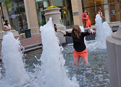 Fountain Girl (Mondmann) Tags: woman usa water fountain girl america washingtondc unitedstates georgetown wading mondmann fujifilmx100s
