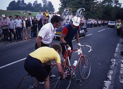 1982 World Cycling Champ001 (Tim Callaghan) Tags: cycling jones 1982 bikes flags kelly 35mmslides roads crowds goodwood lemond saroni worldroadracechampionships