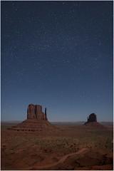 Monument Valley  v006 (Ezcurdia) Tags: monumentvalley utah arizona usa eeuu navajo tsebiindisgaii limolita navajotrivalpark johnfordpoint