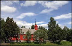 L'glise rouge -  The Red Church (diaph76) Tags: norvge norway extrieur paysage landscape arbres trees herbe grass vgtation ciel sky nuages clouds glise church religion