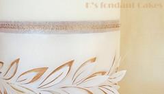 Olive branches & Roses Wedding Cake ~ Γαμήλια Τούρτα με θέμα: Ελιά & Τριαντάφυλλα (K's fondant Cakes) Tags: weddingcake wedding white gold olive branches leaves wafer paper waferpaper chic greek γαμήλια τούρτα λευκό χρυσό ελιά κλαδιά φύλλα τριαντάφυλλα roses μοτίβο μαίανδροσ ελλάδα ζαχαρόπαστα fondant