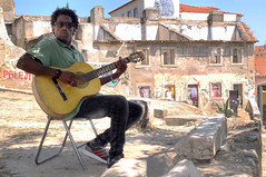 Saudade (nostalgia) (Maurizio Belisario) Tags: musica music chitarra guitar art arte lisbona alfama portogallo murale casa rovine musicista