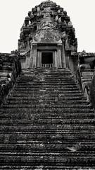 Stairway to..........? (...Ola_S...) Tags: southeastasia cambodia camboya kambodsja angkorwat angkoriantemples temple tempel ruins ruiner samsunggalaxynote3 bw