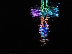 Reflexion im Main, Michaelismesse in Miltenberg 2016 (zikade) Tags: reflexionen licht farbigeslicht farben gelb orange feuer main miltenberg odenwald kirmes blau trkis grn wasser spiegelung volksfest michaelismesse 2016