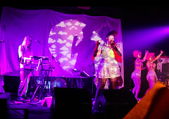 Syngja #popmontreal2016 (Tyr Jami) Tags: popmontreal2016 popmontreal syngja zuzuknew projections cello clublambi mtl montreal music shows