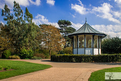 Bedford Park Bandstand (Rob Felton) Tags: bedfordpark bedford bedfordshire felton robertfelton bandstand herbacousborder avenue cloud blue sky trees clouds borders